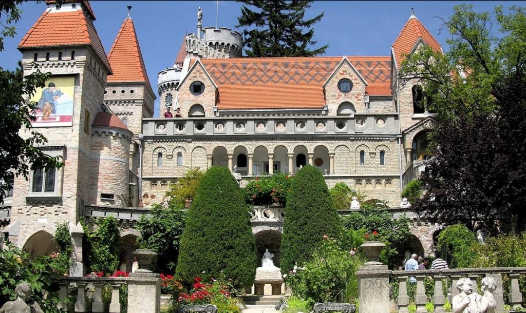 Замок Бори