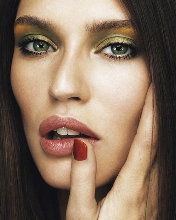Вечерний макияж для зеленоглазых брюнеток