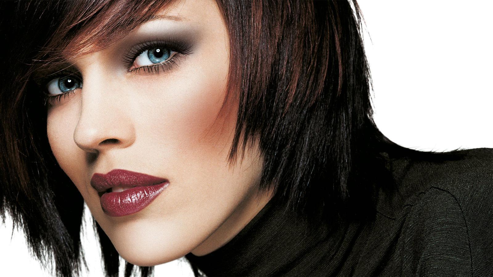 Вечерний макияж для голубоглазых брюнеток