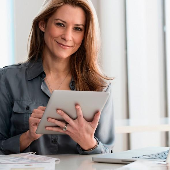 Как найти работу женщине за 50?