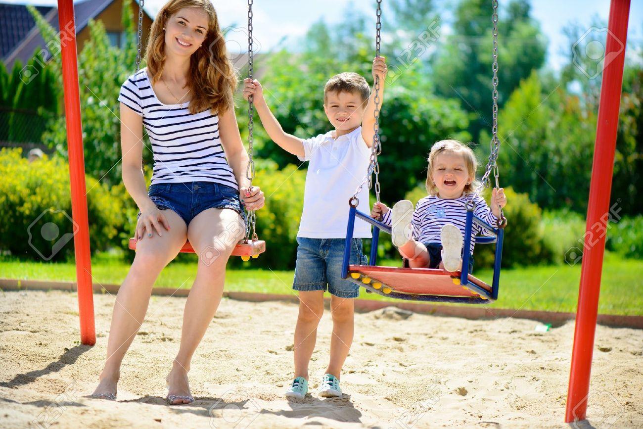 Как обеспечить безопасность ребенка на игровой площадке?