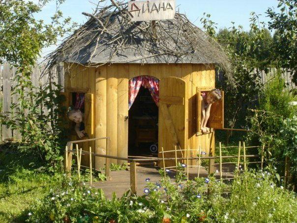 Домик для детского уголка на даче