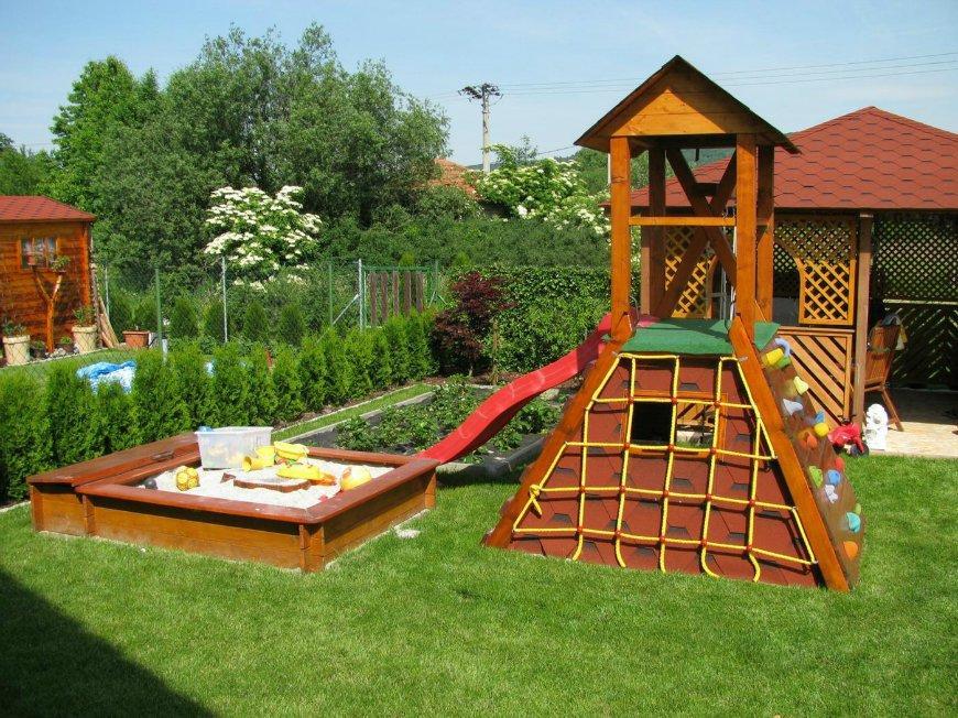 Детский спортивно-игровой деревянный комплекс для дачи