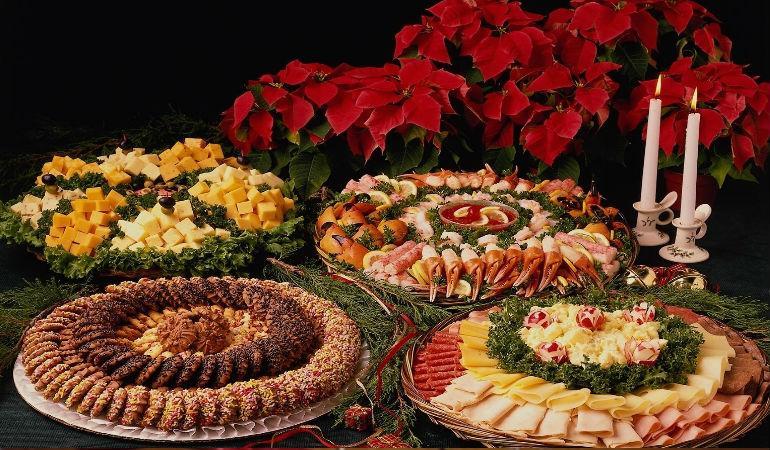 Украшение блюд на новогодний стол 2017 Петуха
