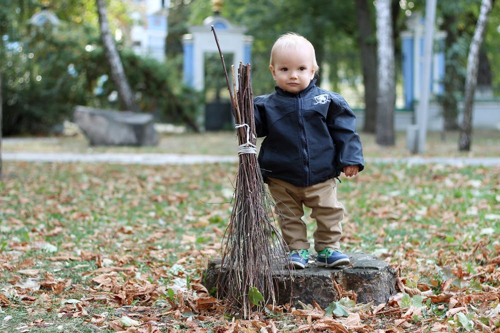Тематические прогулки с детьми 2-5 лет - работа дворника