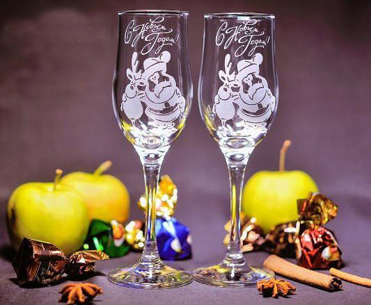 В подарок семейной паре - новогодние бокалы