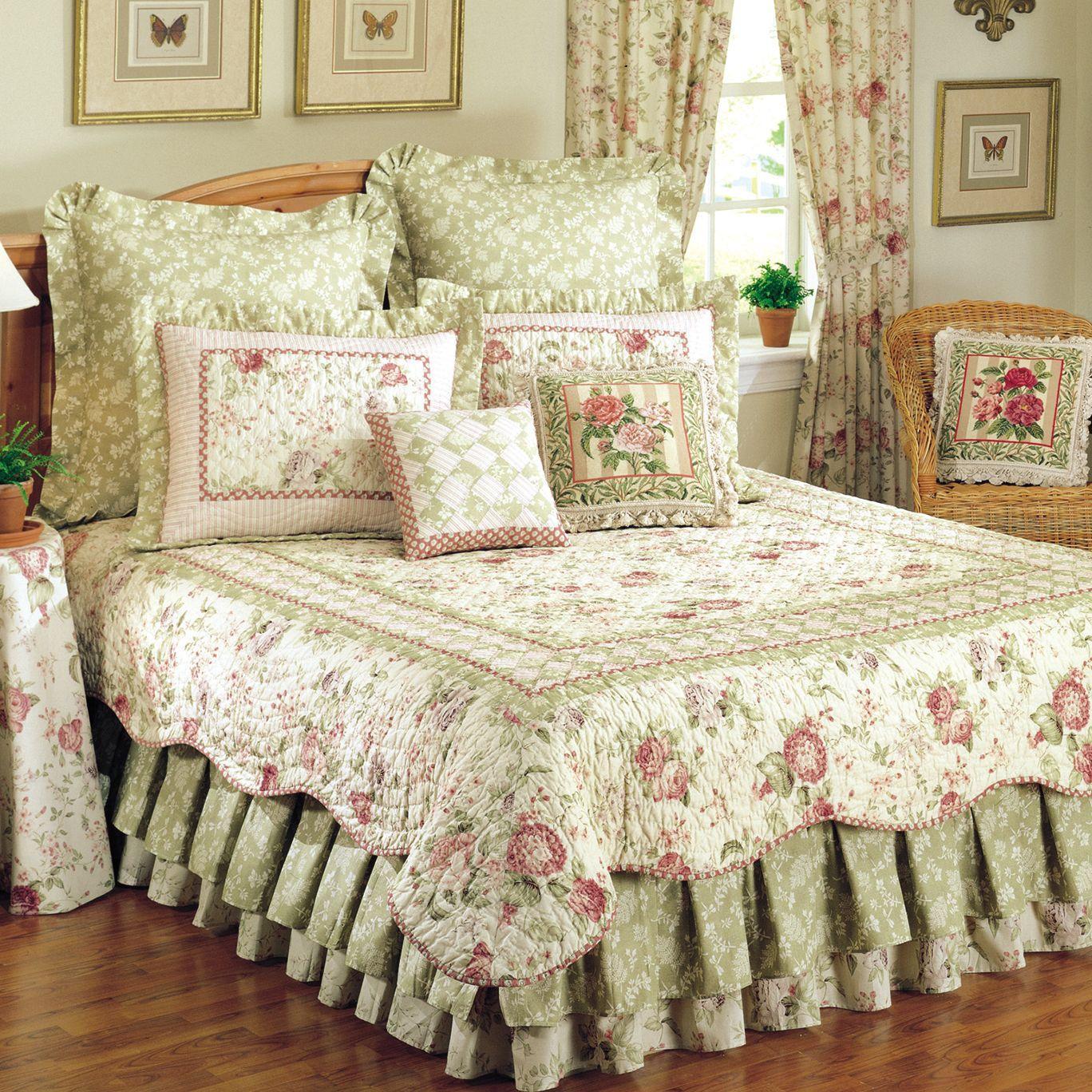 Покрывало в спальню под цвет интерьера и штор