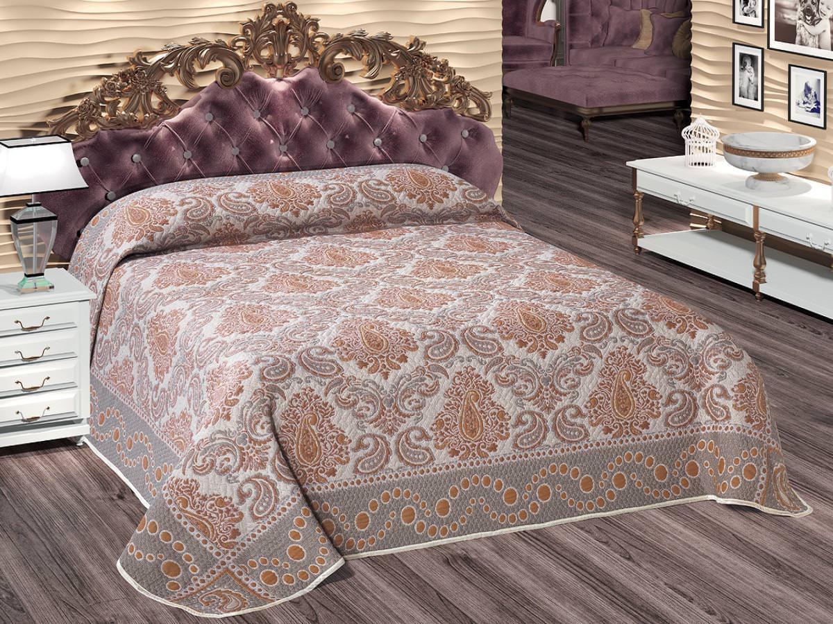 Жаккардовые покрывала для кровати в спальню