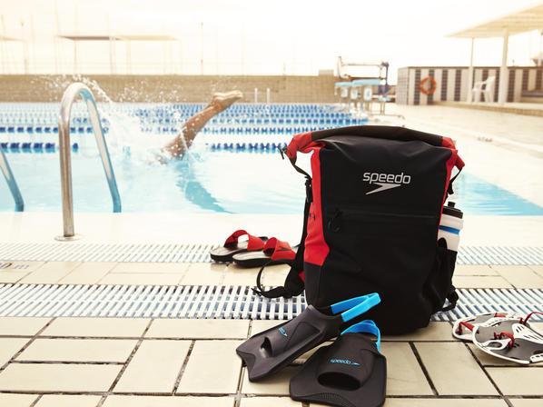 Что взять в бассейн взрослому или ребенку?