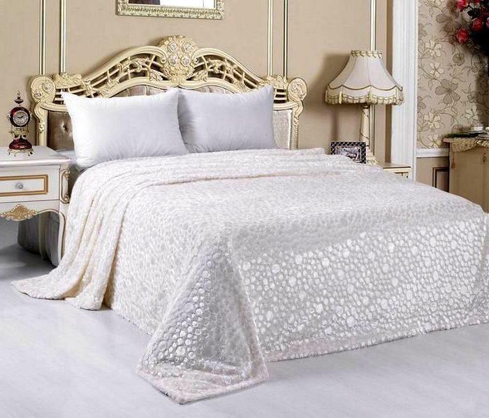 Акриловые покрывала для спальни