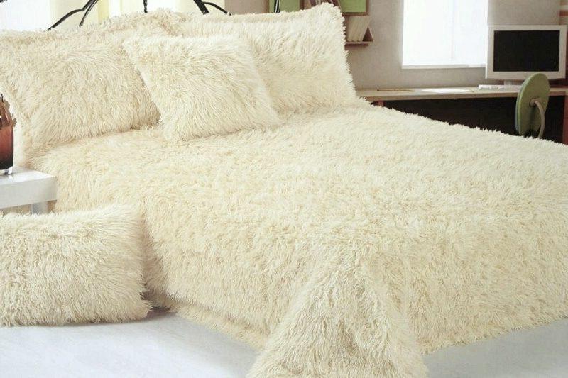 Меховые покрывала в спальню