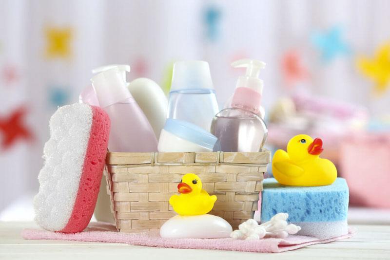 10 лучших средств для мытья головы и тела новорожденных и детей чуть старше