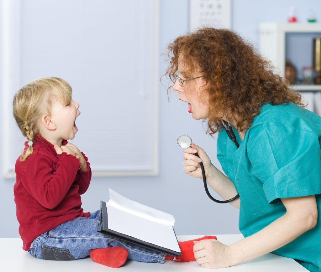Ребенок начал заикаться - что делать?