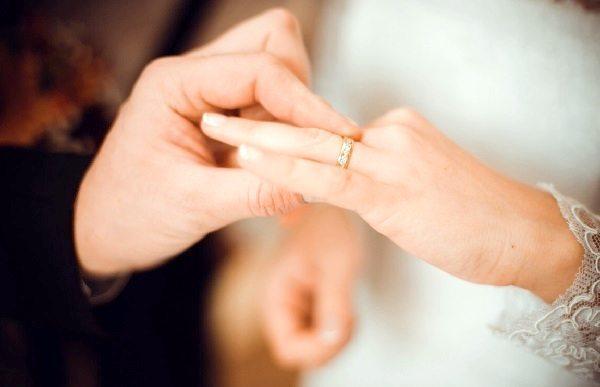 Каким брачным агентствам стоит доверять?