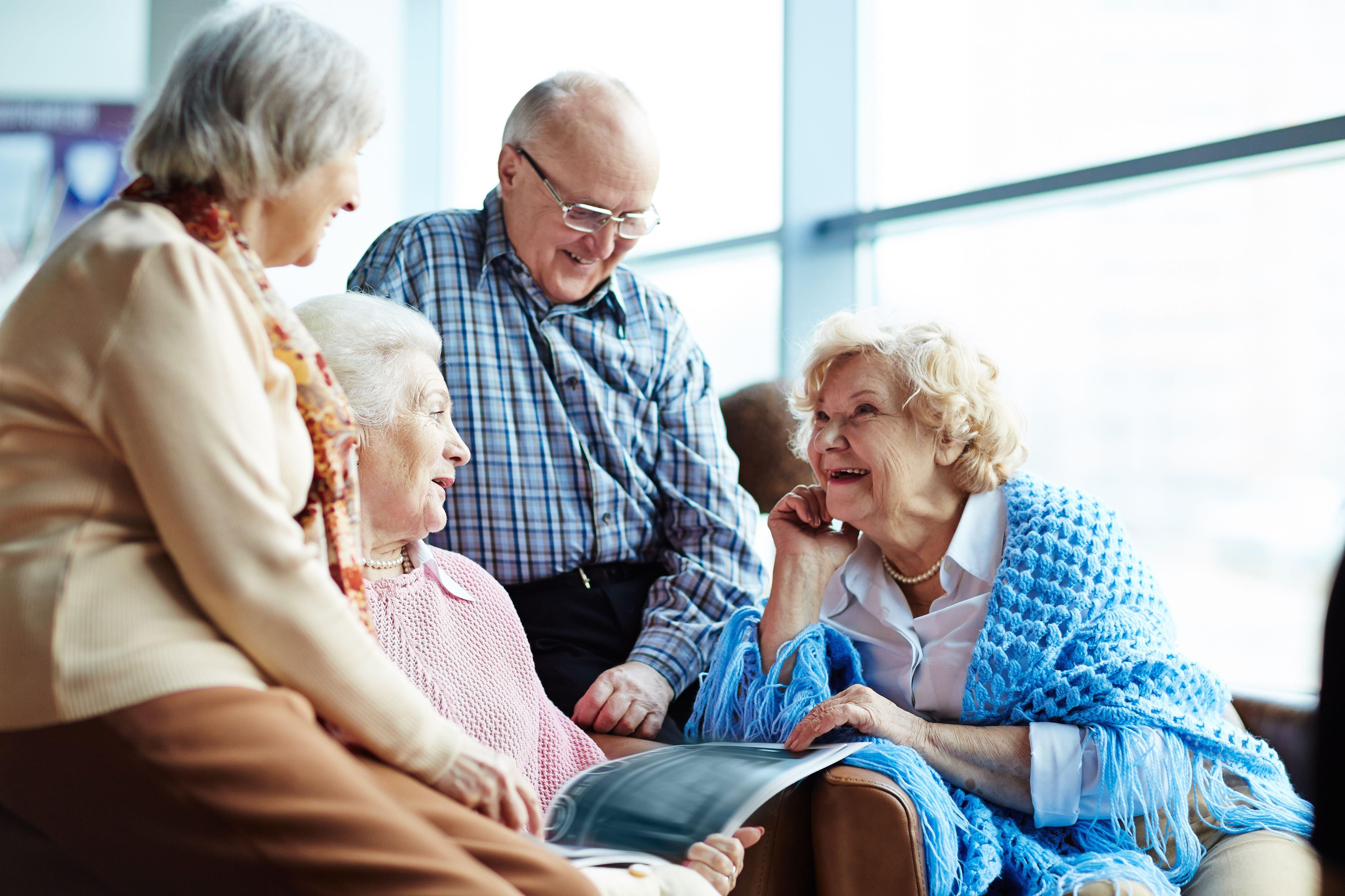 Как выбрать дом престарелых, пансионат, интернат для ухода за пожилыми, больными родителями