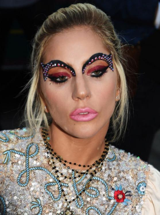 Леди Гага: такими бровями можно только пугать и эпатировать