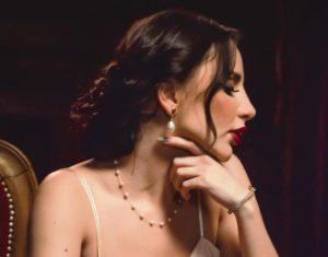 Певица Асти - интервью о песнях, планах дуэта Артик и Асти, и о самом личном