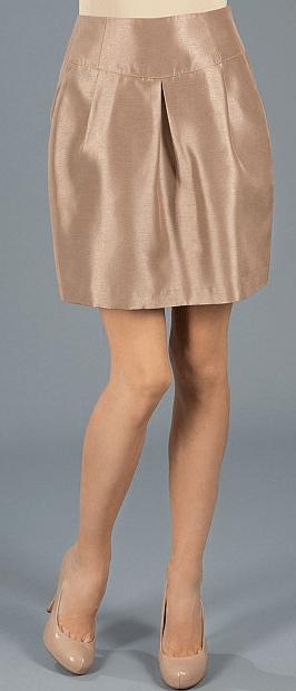 Юбка из переливающейся ткани