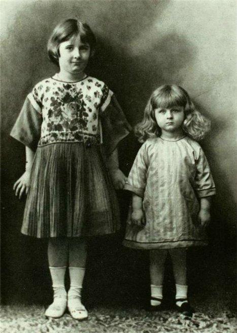 Айседора Дункан с младшей сестрой