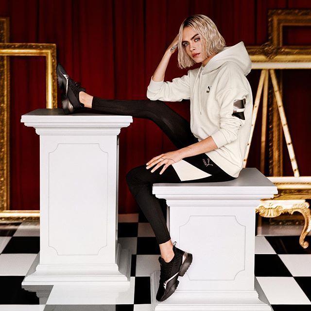 Кара Делевинь рекламирует одежду