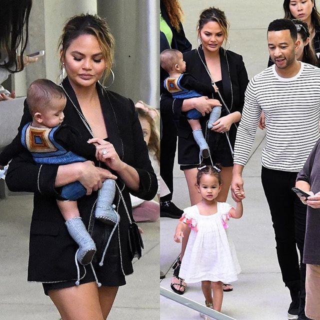 Крисси Тейген с мужем и детьми 2