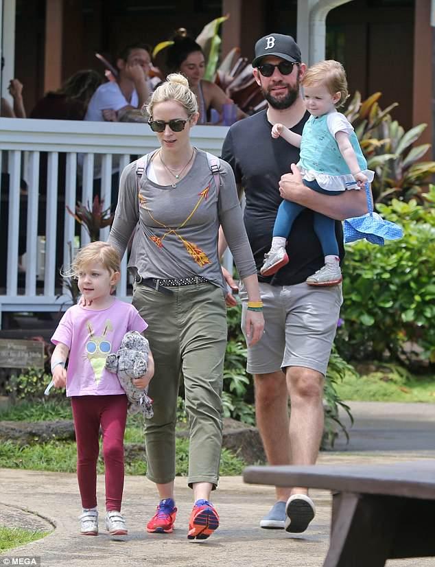 Эмили Блант с семьей