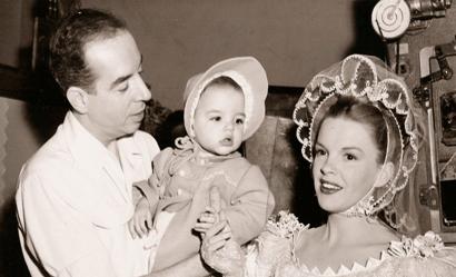 Лайза Минелли с родителями