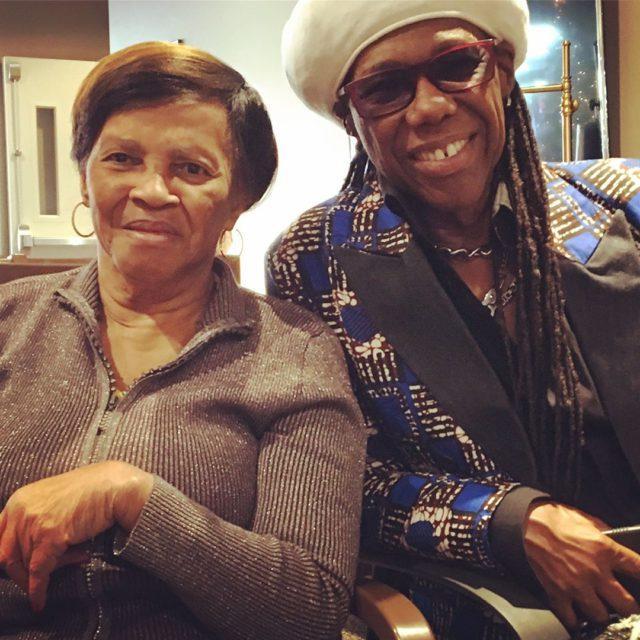 Найл Роджерс с мамой Беверли