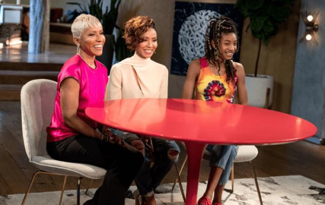 Телешоу «Беседы за красным столом»