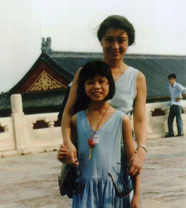 Ванесса Мэй в детстве с матерью1