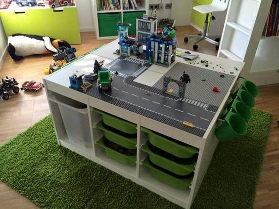 Хранение игрушек в детской под столом
