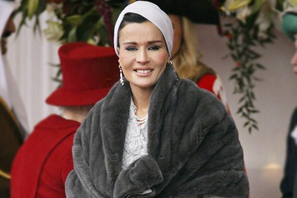 Шейха Моза бинт Насер аль Миснед