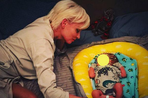 Жанна Эппле с внуком
