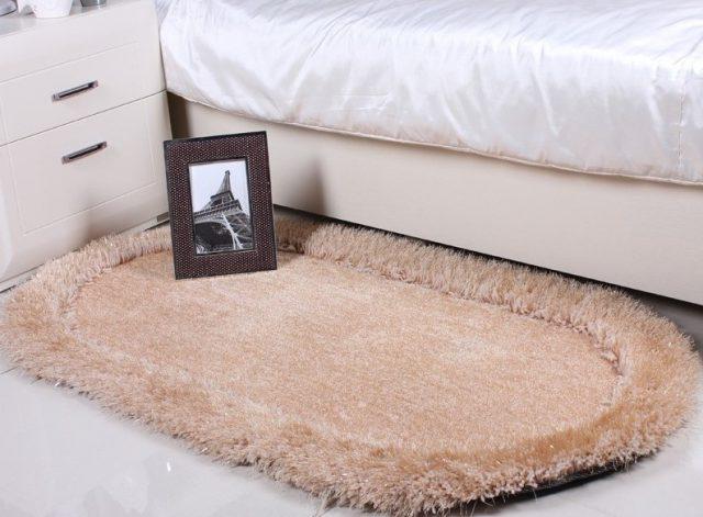 Прикроватный коврик с длинным ворсом