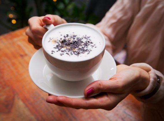 Рецепт кофе латте со специями - имбирем, шафраном, корицей