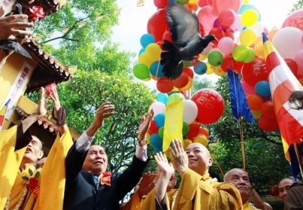 Традиция празднования Дня Рождения во Вьетнаме