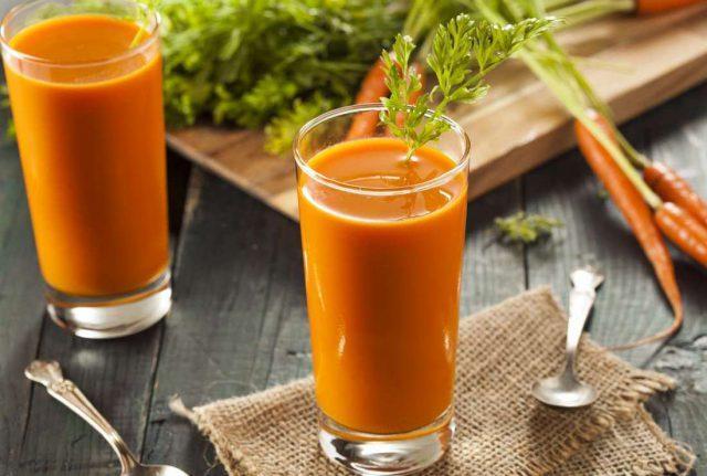 Сок из моркови со шпинатом