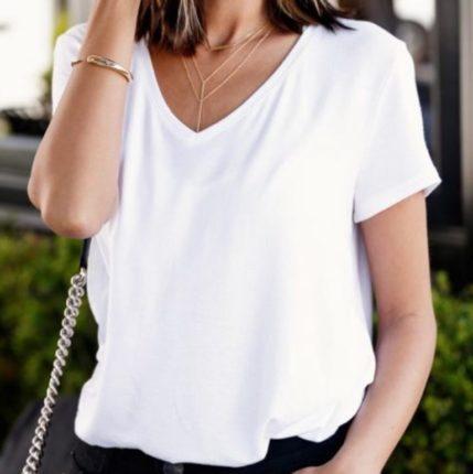 Белая футболка + черные джинсы