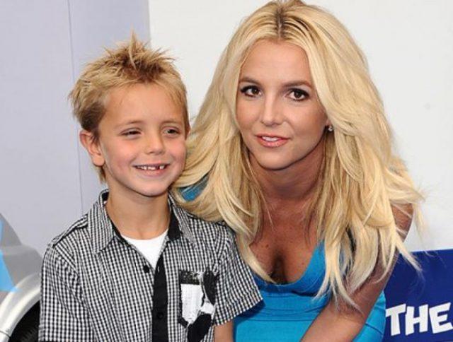 Бритни Спирс с сыном
