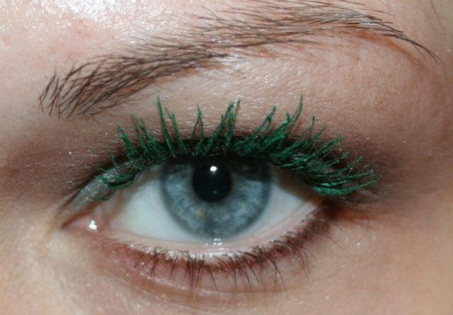 Цветная тушь для голубых глаз