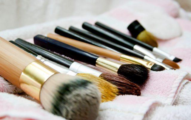 Сушить кисти для макияжа