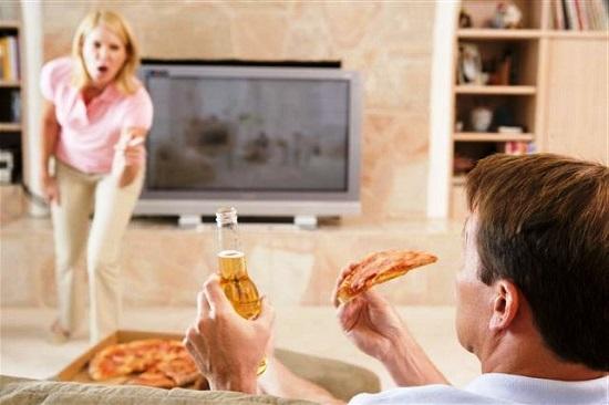 Муж на диване, не хочет развиваться и зарабатывать - что делать жене