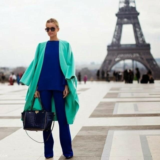 Сочетание мятного цвета с синим в одежде