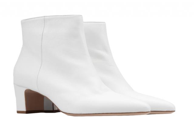 Белоснежные ботинки