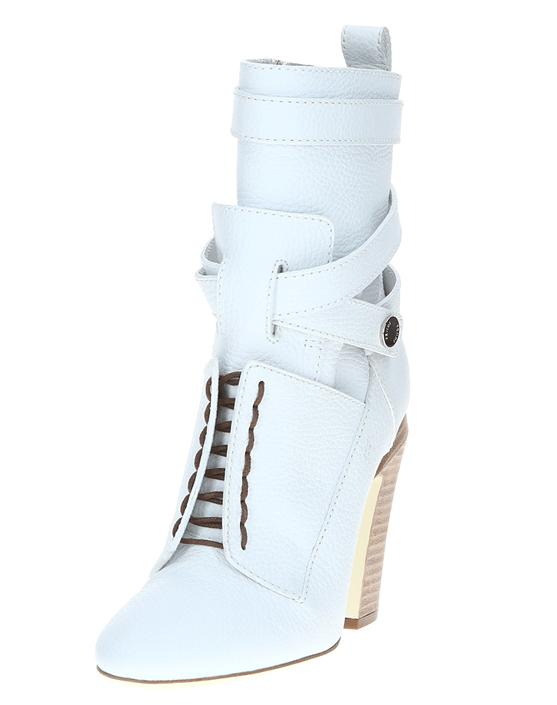 Яркие ботинки с причудливым дизайном