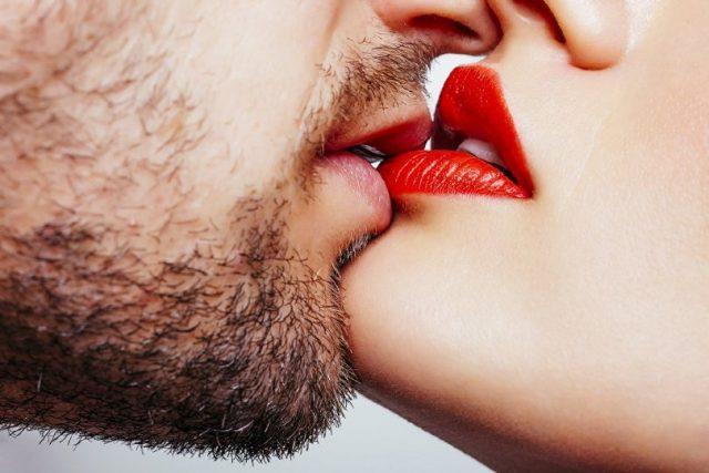 Что говорят о мужчине его поцелуи