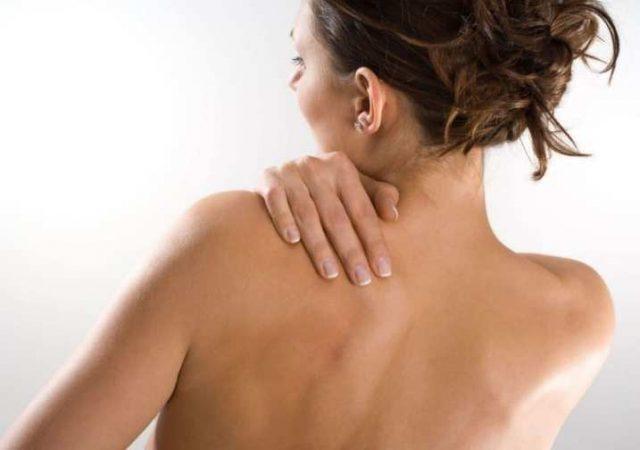 Волосатая спина у женщины