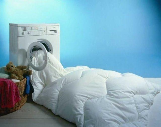 Стирка одеял в домашних условиях - можно ли в стиральной машине