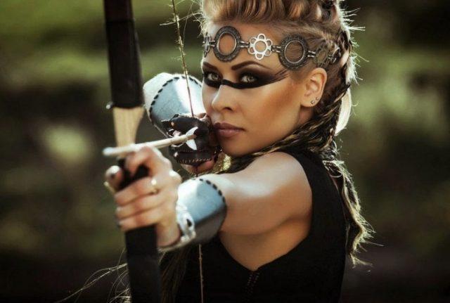 Женщина под знаком зодиака Стрелец
