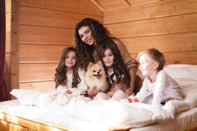 Анна Седокова с детьми1